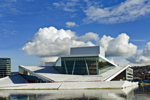 здание оперного театра в Норвегии, проект Snohetta