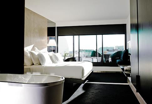 интерьер номера в гостинице Fontana Park Hotel, Лиссабон, Португалия, дизайн Atelier Nini Andrade Silva)