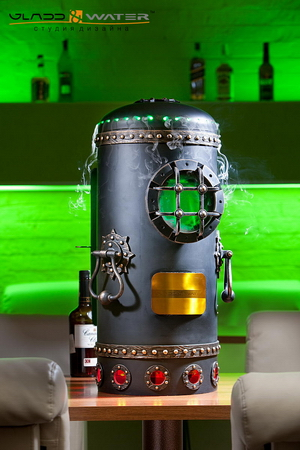 предметный дизайн: мини-бар в виде старого промышленного котла