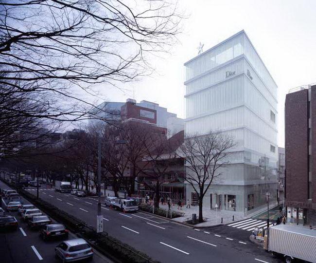 Здание Кристиан Диор в Токио, архитектурное проектирование Казуо Седжима и Рю Нишизава (Kazuyo Sejima, Ryue Nishizawa)