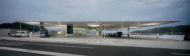 терминал в Наошима, 2006 г, архитектурное проектирование Казуо Седжима и Рю Нишизава