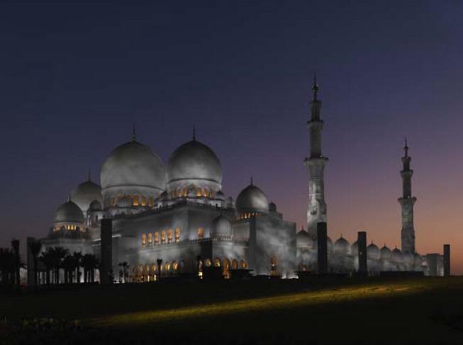 мечеть вечером, архитектурное проектирование Halcrow