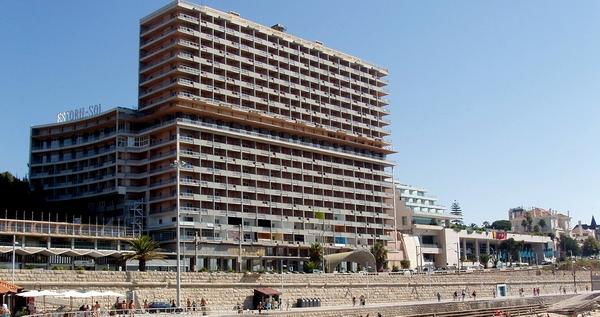 снесенное здание гостиницы
