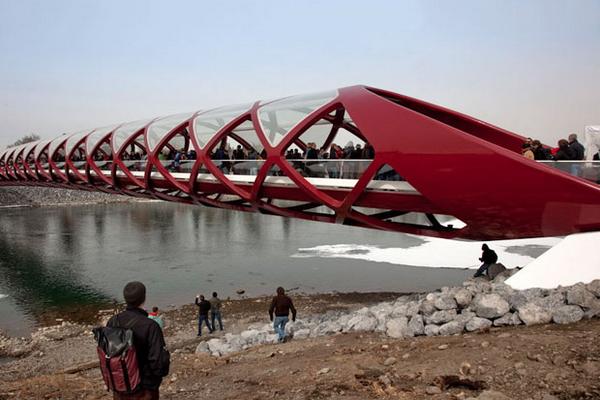 новый мост по проекту Сантьяго Калатравы, Калгари, 2012, фото © Alex Maeland