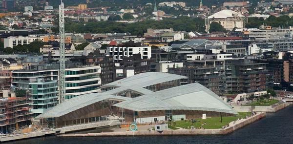 вид на здание музея с моря