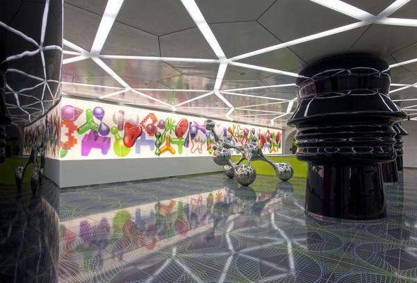 колонны в главном зале станции метро