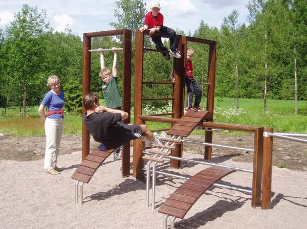 оборудование для спортивной площадки в центральном парке Хельсинки, дизайн Mari Piipponen и Reform