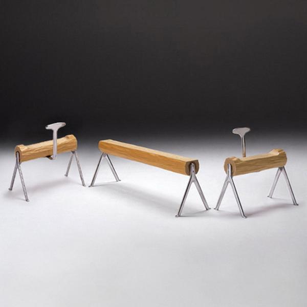 скамья для ниши из кедра, дизайнер Тошиюки Кита