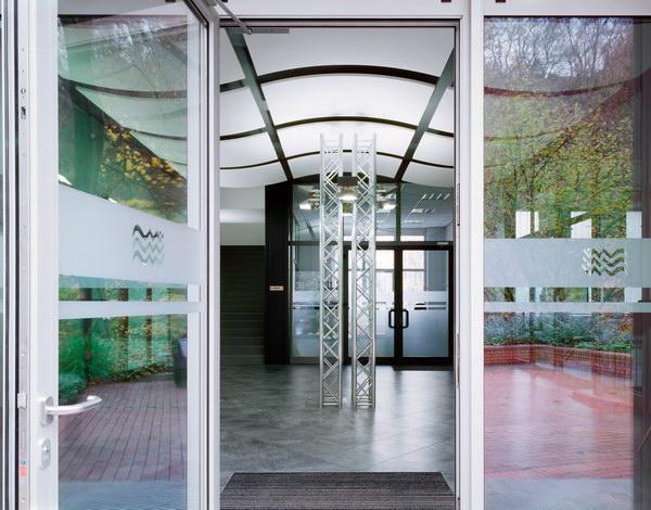 потолки Ultima, входная зона офиса компании Waterworks Witten, Германия