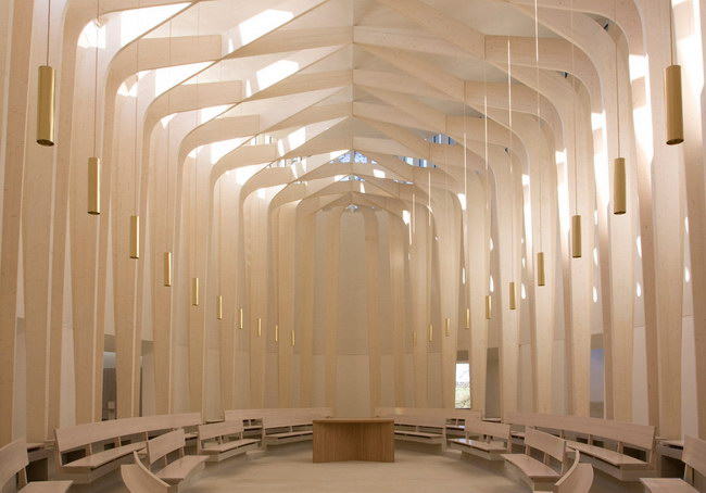 внутреннее пространство молельного зала