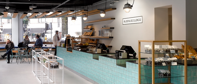 интерьер кафе самообслуживания Bilder & De Clerq