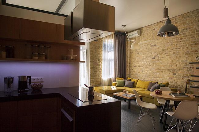 обеденная зона в гостиной, совмещенной со столовой