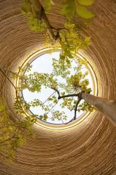 зенитное окно земляного дома