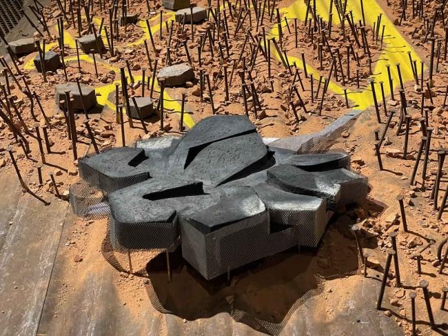черепашка, инсталляция Elastico Farm