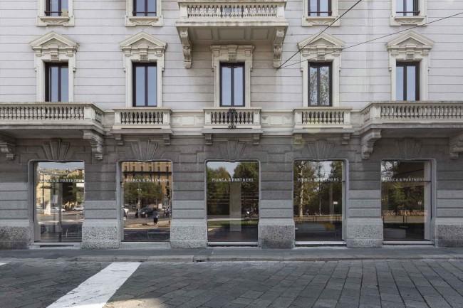 фасад здания хаба Pianca&Partners