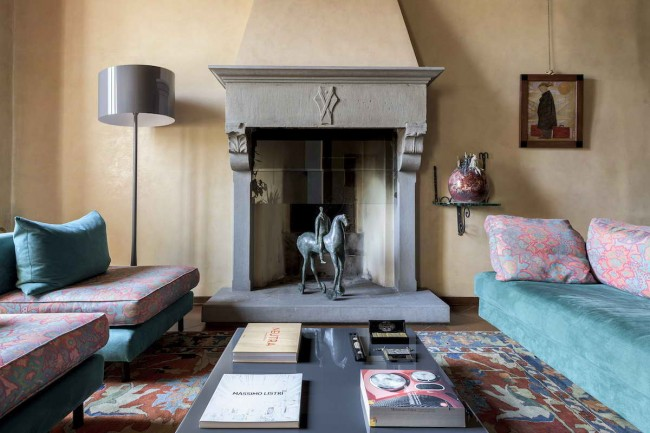гостиная с персидским ковром