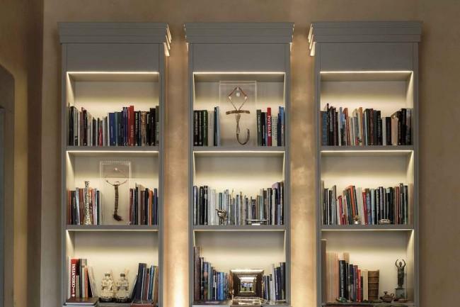 авторский книжный шкаф