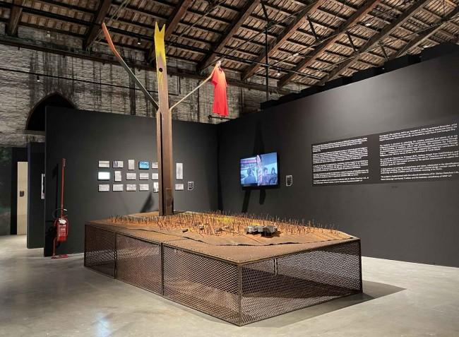 инсталляция Elastico Farm, биеннале архитектуры 2021