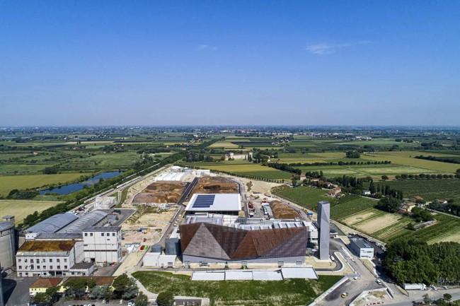 биоэнергетический завод в Равенне, вид сверху