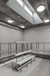интерьер раздевалки в спортивном павильоне