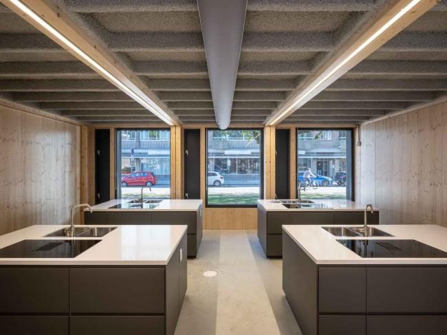 школьная кухня на первом этаже