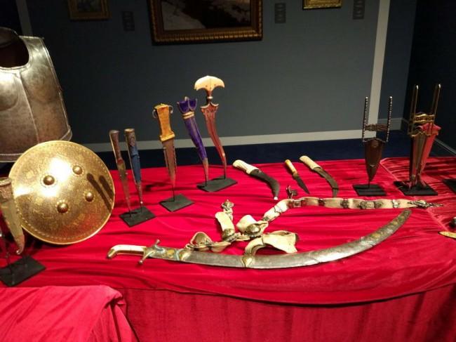старинное оружие Востока из частной коллекции на выставке