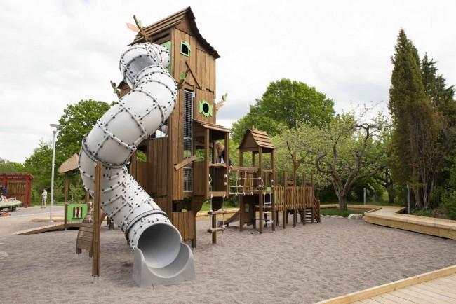 детская площадка Flora с трубой-спуском