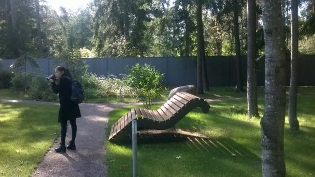 дизайнерская скамейка в посёлке Honkanova