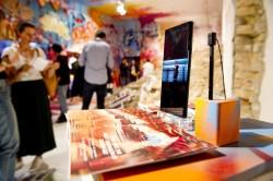 Galaxy S9+ на стенде выставки street art IFA 2018
