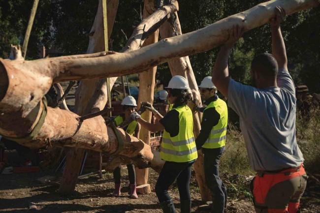 строительство детской площадки в Барселоне