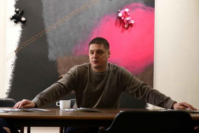 художник Ростан Тавасиев