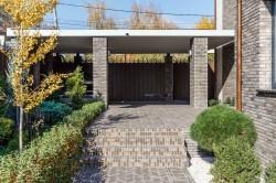 забор с навесом-гаражом