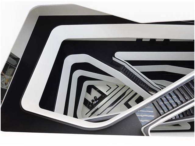 атриум Dominion Tower, Архитектурное бюро Zaha Hadid Architects