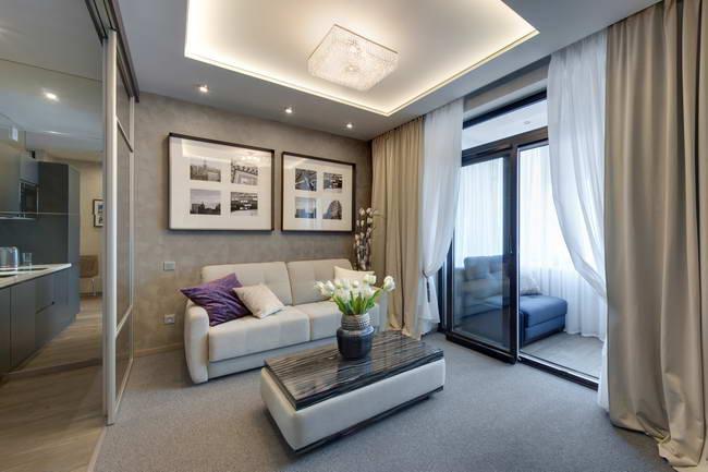 интерьер квартиры-студии с присоединенной лоджией