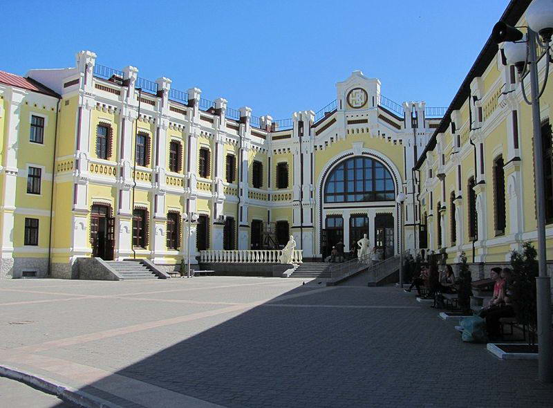фасад Казатинского вокзала