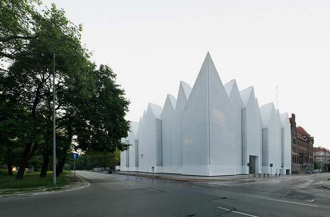 концертный зал в Щецине, дневной вид