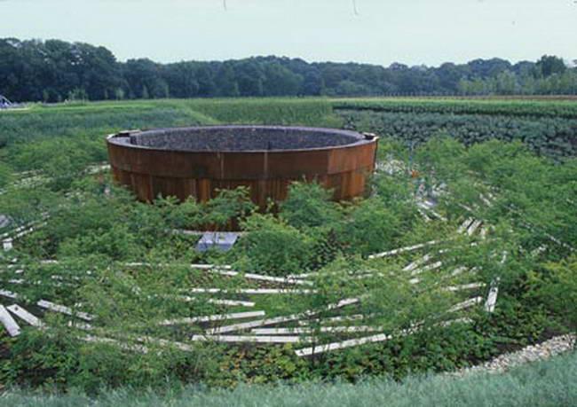 искусственный водоем в парке Aqua Magica