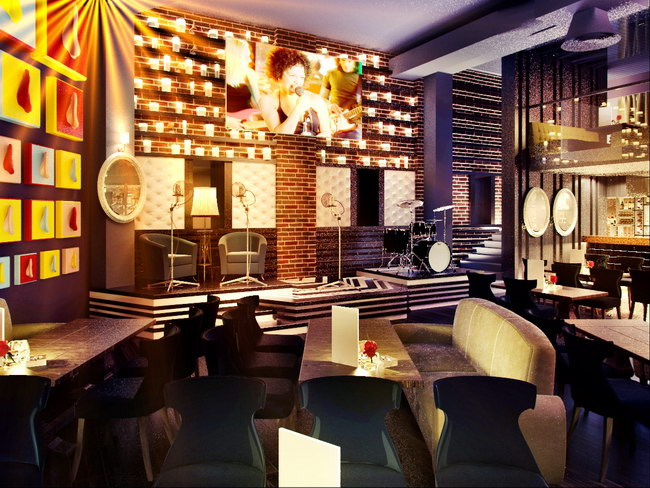 сцена и стена со свечами в баре