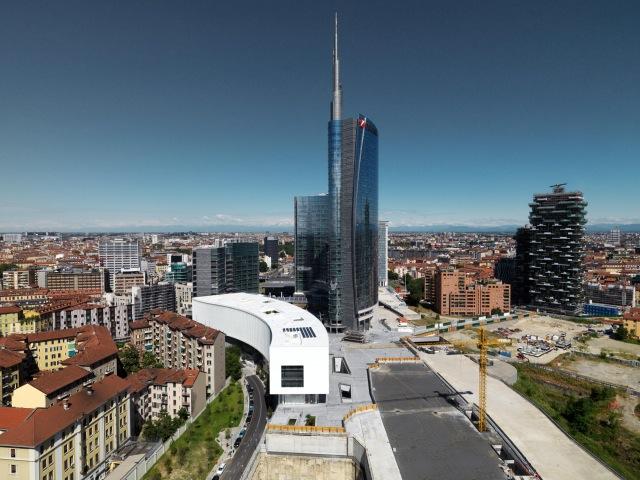 фото здания в урбанистическом контексте