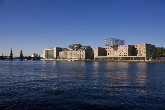 Здание музыкального отеля в Берлине, архитектор Сергей Чобан