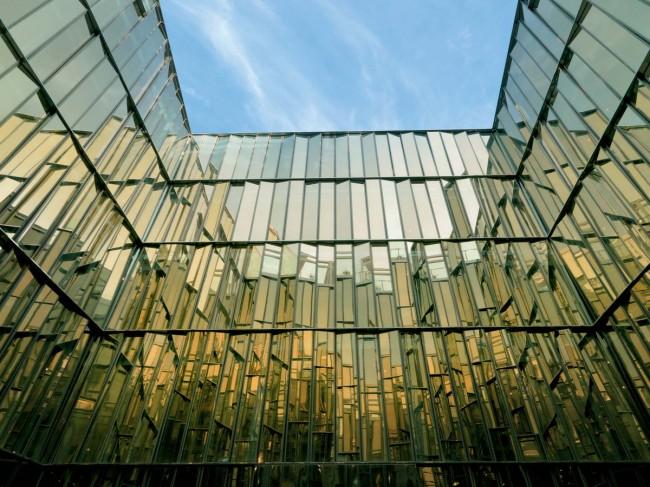 фасад здания арбитражного суда в Санкт-Петербурге
