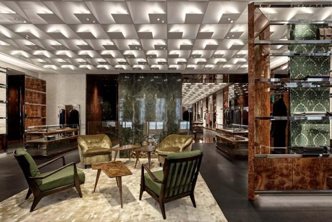 зона для клиентов в миланском бутике Дольче и Габана