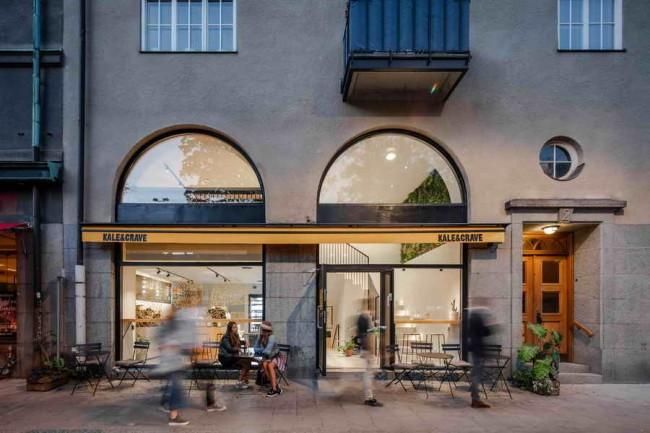 экстерьер кафе с арочными окнами