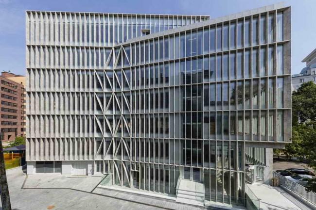 фасад здания, номинированного на премию Миса ван дер Роэ