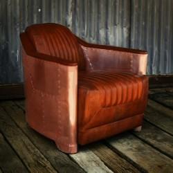 кресло с медной обшивкой