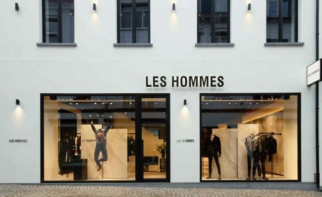 витрина Les Hommes в Антверпене