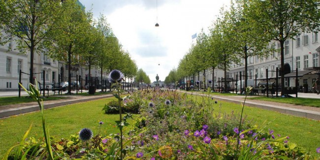 перспектива улицы, примыкающей к площади Святой Анны