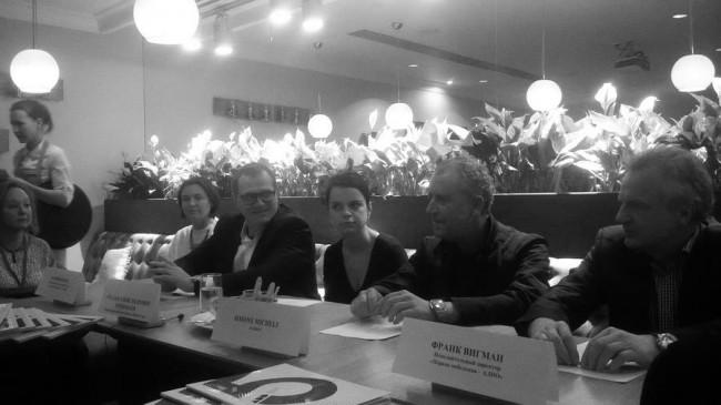 Симоне Мичели, Руслан Чернобаев и Франк Вигман на прессконференции
