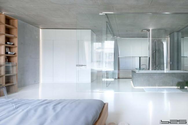 прозрачная ванная комната