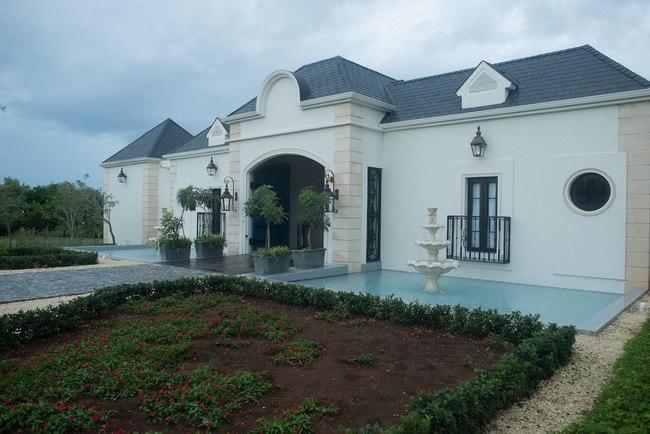 фасад и вход в дом